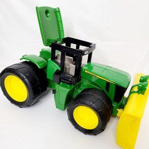 John Deere tractor with lights and sound